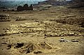 Ägypten 1999 (377) Totentempel der Hatschepsut und Nekropole Al-Asasif (29234011796).jpg