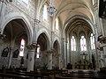 Église Hourtin allée centrale.JPG