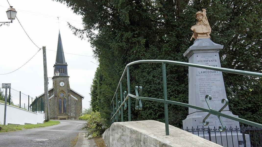 Église et monument aux morts de Rubécourt.