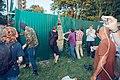 Бібіков Андрій зносить паркан разом із громадою.jpg