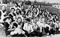 В.М. Кмецинський з вихованцями. Кінець 70-х років XX ст..jpg
