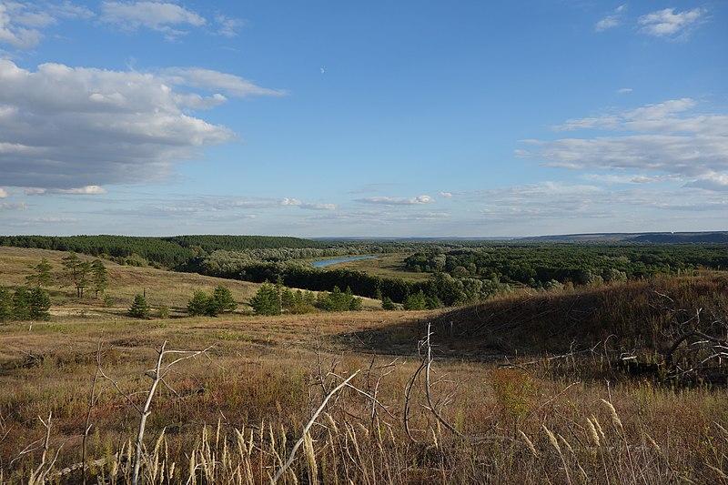 File:Новолиманский холм, озеро Немереж.jpg