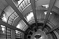 גרם המדרגות בקולנוע אסתר - מלון סינמה, אור יום.jpg