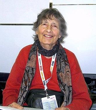 Ramona Fradon - Fradon at the 2013 New York Comic Con