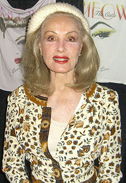 Julie Newmar på Manhattan, 2009.
