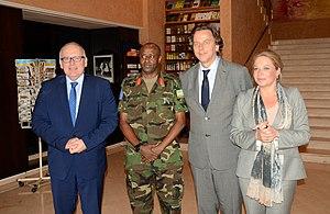Bert Koenders - Frans Timmermans, Jean Bosco Kazura, Bert Koenders, and Jeanine Hennis-Plasschaert in Mali in 2013