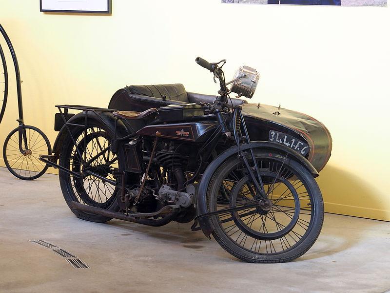 File:1922 Gnome Rhone D 5cv, Musée de la Moto et du Vélo, Amneville, France, pic-003.JPG