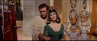 1963 Cleopatra trailer screenshot (24).jpg