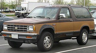 Chevrolet S-10 Blazer Motor vehicle