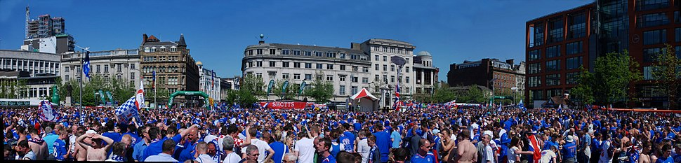 da6d3ece2bc A panorama of Rangers supporters at the 2008 UEFA Cup final