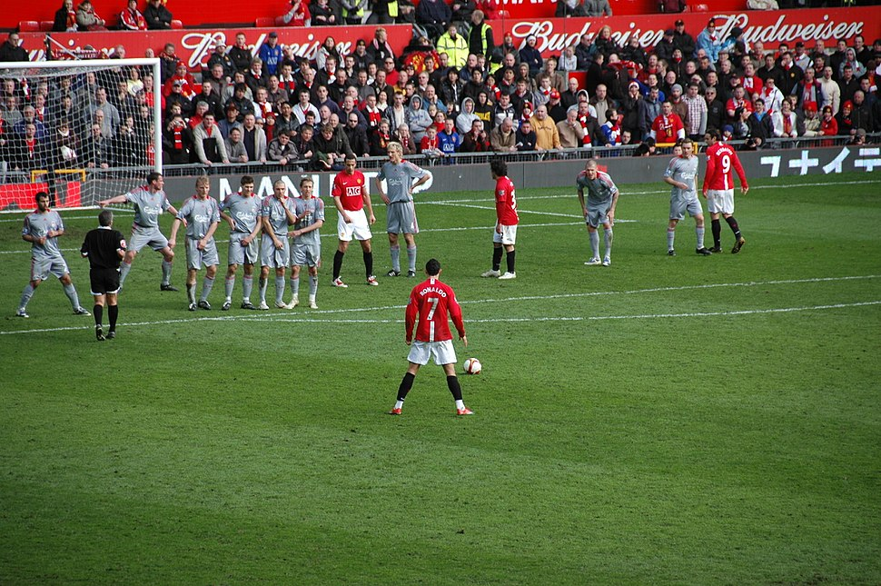 2009-3-14 ManUtd vs LFC Ronaldo Freekick Back