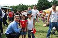 27.06.2009 Werner Faymann auf dem Wiener Donauinselfest (3671347778).jpg