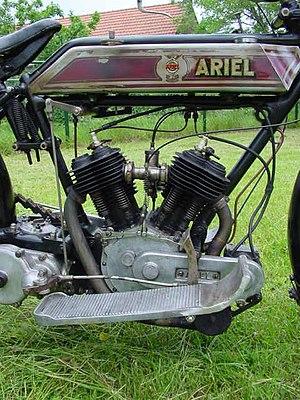 Abingdon Motorcycles - 1915 Ariel V-Twin with 700 cc Abingdon engine