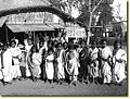 A large group of Indian children in Calcutta in 1912.jpg
