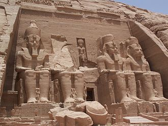 Monumental sculpture - Image: Abu Simbel Temple May 30 2007
