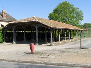 Abzac, Charente - Abzac covered market