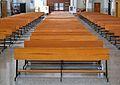 Alacant, bancs de l'església de Maria Auxiliadora.JPG