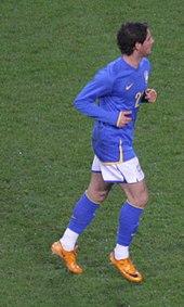 Pato con la maglia della nazionale brasiliana nel 2008