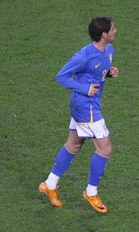 Alexandre Pato na sua partida de estreia pelo Brasil 4bec1c4ee33bb