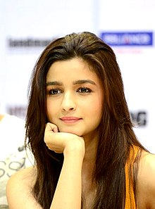 Alia Bhatt at the DVD launch of 'Highway' (cropped).jpg