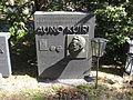 Auno Kuiri's grave 2010.jpg