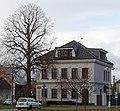 Bývalá škola v Břuchotíně po rozsáhlé rekonstrukci.jpg