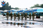 Bangladesh Air Force personnel in front of MiG-29.png