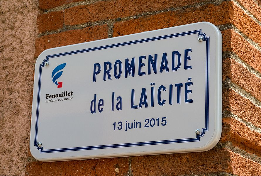 Sign Promenade de la Laïcité, named the same day as the media library Georges Wolinski.