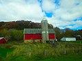 Barn and a Silo - panoramio (7).jpg