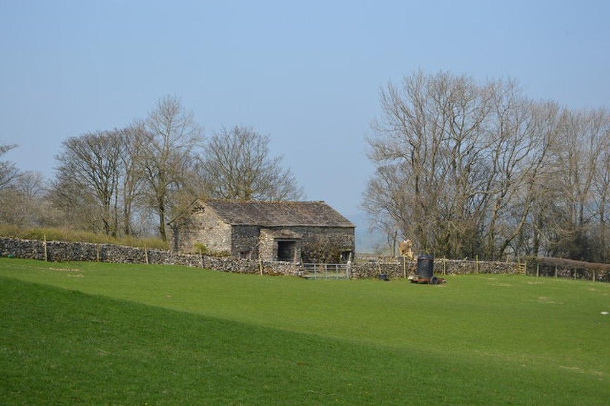 Barn north of Howgill House, Dentdale.jpg