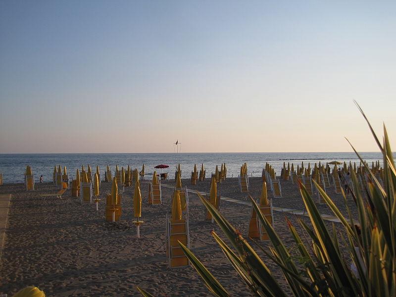 Beach Ostia Lido di Roma 0001.JPG