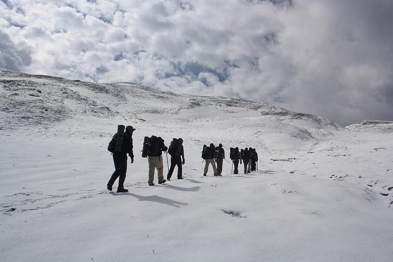 File:Bedni Bugal on way to roopkund.jpg