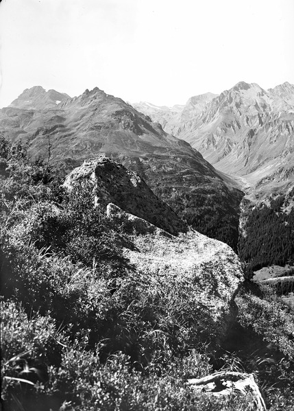 File:Berglandschaft im Engadin - CH-BAR - 3241548.tif