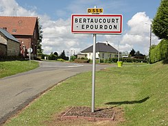 Bertaucourt-Epourdon (Aisne) city limit sign.JPG