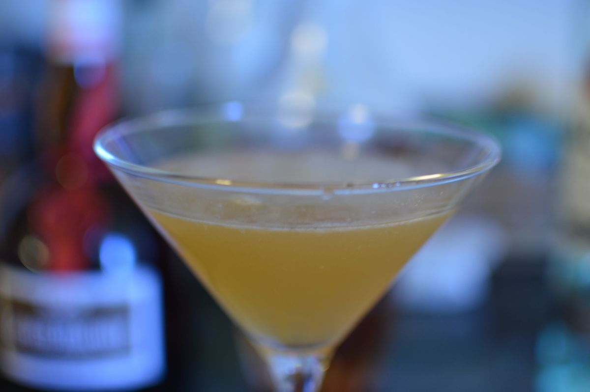 Between the Sheets (cocktail) - Wikipedia
