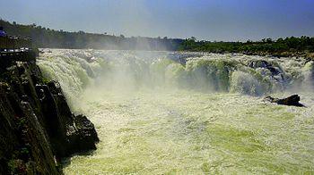 Bhedaghat Waterfall.jpg