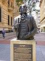 Bilbao - Calle Diputación, monumento a John Adams.jpg