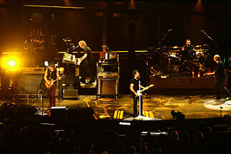 Bon Jovi - Bon Jovi in Montreal in 2007 during the Lost Highway Tour