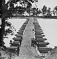 Brady, Mathew B. - Eine Pontonbrücke auf dem James Fluss (Zeno Fotografie).jpg