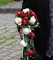 Brautstrauß rote und weiße Rosen.JPG