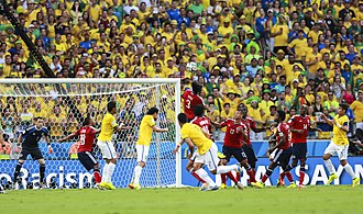 Mario Yepes - Yepes heading the ball against Brazil at the 2014 FIFA World Cup