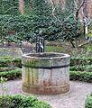 Brunnen-im-Bibelgarten HB-Img01.jpg