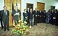 Bundesarchiv B 145 Bild-F083037-0005, Bonn, Bundeskanzler empfängt Diplomatisches Corps.jpg