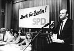 Bundesarchiv Bild 183-1990-0203-023, Berlin, SPD-Bezirksparteitag, Walter Momper.jpg