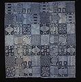 COLLECTIE TROPENMUSEUM Indigo doek met vierkanten gevuld met verschillende motieven TMnr 5831-7.jpg