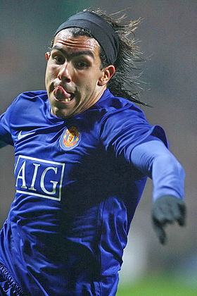 Carlos Tevez, UEFA CL match Celtic vs Manchester - by Tsutomu Takasu (Light).jpg