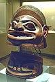 Casco y collera tlingit (M.A.N. Inv. 13909 y 13912) 01.jpg