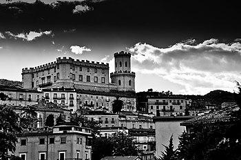 Castello Ducale Corigliano Calabro.jpg