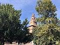 Castello Sforzesco fra gli alberi.jpg