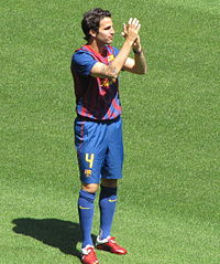 Fàbregas se apresentando no Barcelona 77f26ba190193